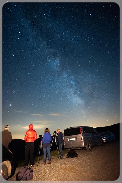 La colla fotos nocturnes al Refugi deSales de Caderget