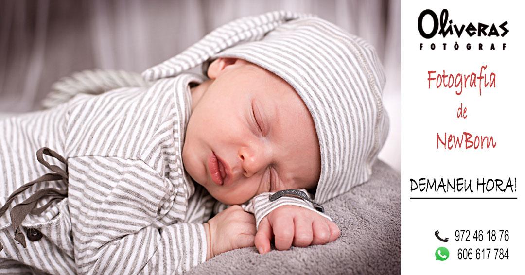 Un nadó en una fotografia adormit i amb una expresió tranquila